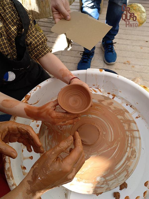 II Feria Prehistórica de Arqueopinto. Torno de cerámica.